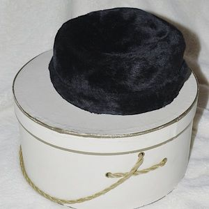 VINTAGE 40's-50's era Pillbox Hat